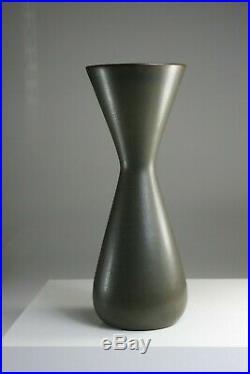 CARL-HARRY STALHANE Slim studio vase Rorstrand Sweden -1950s Small chip