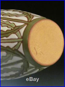 Common Ground Pottery, Daisy vase, Eric Olson art pottery arts and crafts