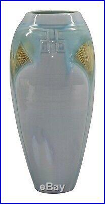 Door Pottery Gingko Leaf Blue Porcelain Vase (Kreigh)