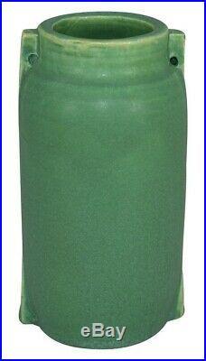 Door Pottery Matte Green Glaze Two Buttress Vase