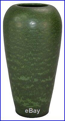 Ephraim Faience Pottery 2005 Antique Green Sandhill Vase 101
