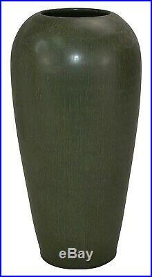 Ephraim Faience Pottery 2005 Leaf Matte Green Sandhill Vase 101