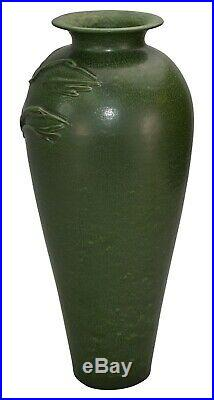 Ephraim Faience Pottery 2006 Flying Cranes Show Vase 652