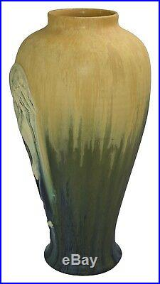 Ephraim Faience Pottery 2006 Limited Edition Whooping Crane Bird Series Vase 670