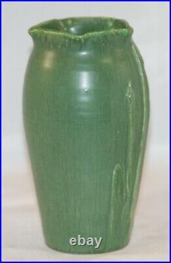 Ephraim Pottery Iris Star Cabinet Vase