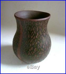 GEOFFREY EASTOP Stoneware Studio Pottery VASE. Brushwork Decoration