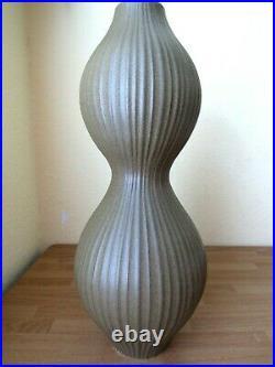 JONATHAN ADLER Studio Pottery Tamarind Relief Vase Floor Mantle 18in Excellent