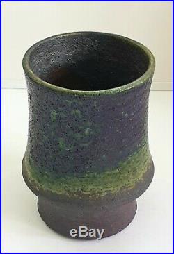 Liisa Hallamaa (1925 2008) Studio Pottery Vase. ARABIA FINLAND