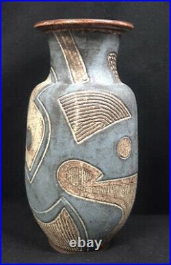 Peder Hegland Vase Incised Marguerite Wildenhain Student Pond Farm 12-1/8 Tall