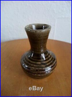 Uncommon St Ives Janet Leach, Leach Pottery Small Studio Vase. Superb Condition